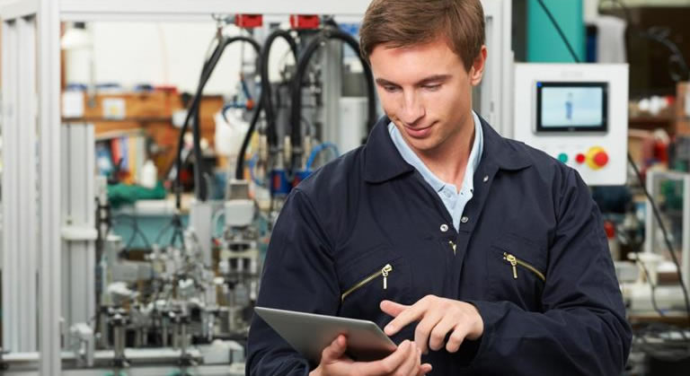 Field Service Team monitoring solution for a Manufacturing industry